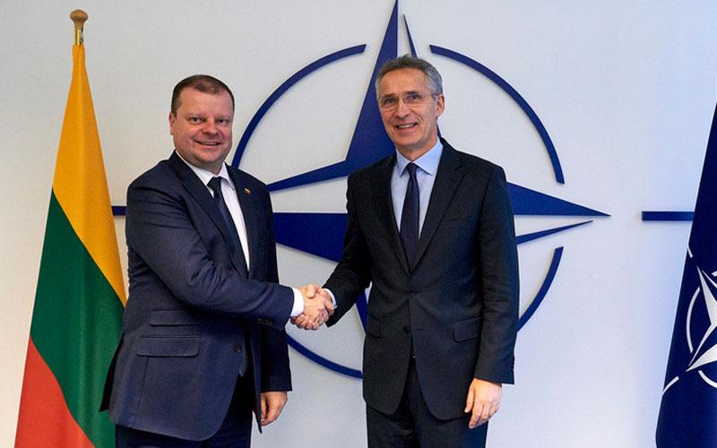 Генеральный секретарь НАТО Йенс Столтенберг (Jens Stoltenberg) и премьер-министр Литвы Саулюс Сквернелис (Saulius Skvernelis)