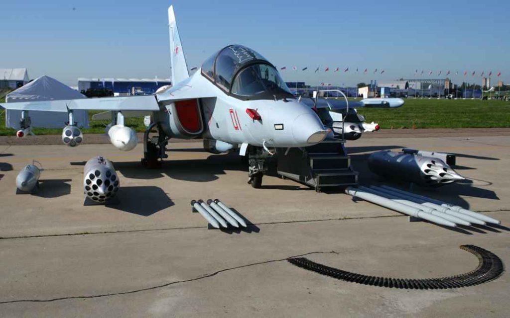 Российский учебно-боевой самолёт Як-130